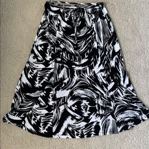 Mid calf skirt with tie